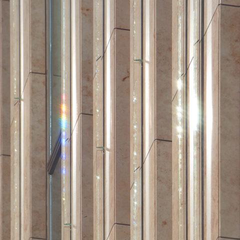 外壁のプリズムガラス2