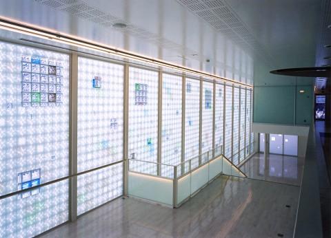 fクリニック 待合ホール・階段2